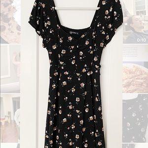 Abercrombie & Fitch Black Floral V-Neck Dress